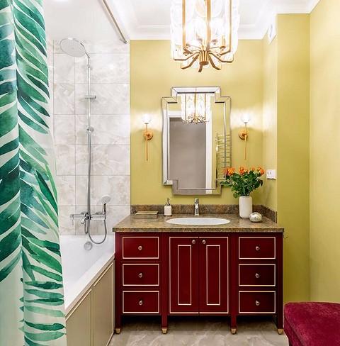 Ванную комнату освещает парад&#...