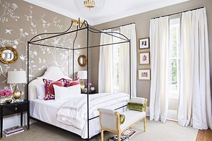 Выбираем шторы в спальню: актуальные модели и тренды будущего года