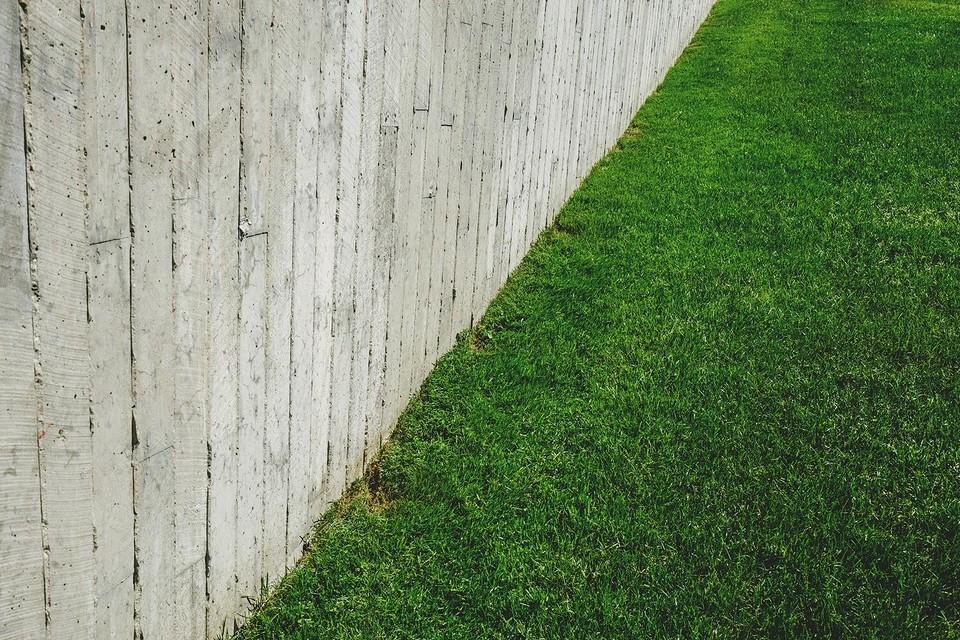 Укладка рулонного газона своими руками: как укладывать самостоятельно