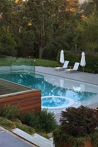 Как сделать бассейн на даче: 3 типа конструкций и способы их установки