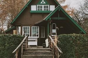 Крыльцо к деревянному дому: советы по созданию и дизайну (35 фото)