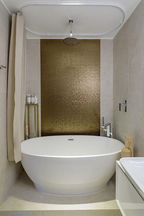 В ванной комнате намеренно не п...