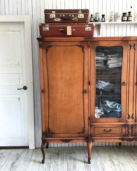 Внутри чемоданов можно хранит&#...