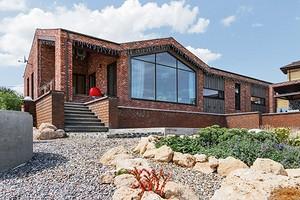 4 подходящих материала для отделки и дизайна фасада частного дома