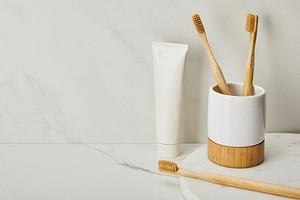 11 вещей в доме, которые можно очистить с помощью обычной зубной пасты