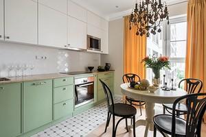 Уютная квартира в классическом стиле для мамы и дочери