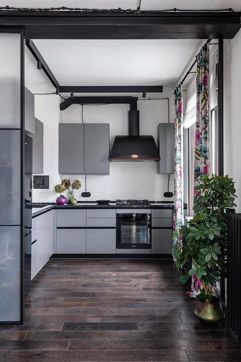Кухонный гарнитур небольшой, н&...