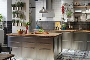 Это необычно: кухни из нержавеющей стали и другого металла