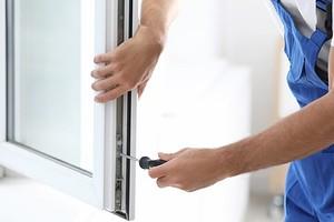 Как самостоятельно отремонтировать пластиковое окно