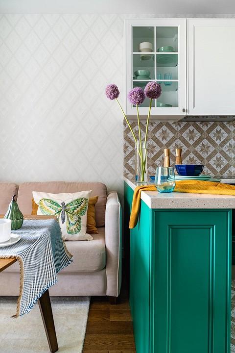В кухне доминирует зеленый цве&...