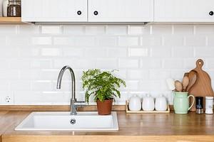 Как оформить соединение столешниц на кухне красиво и правильно