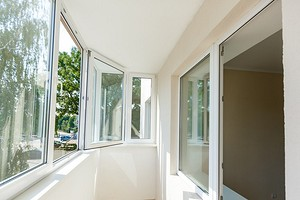 Выбираем, какое остекление балкона и лоджии лучше: 3 критерия и полезные советы
