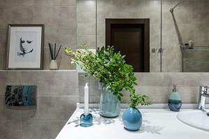 Подсмотрели в проектах профи: 5 дизайнерских хитростей при работе с маленькими ванными