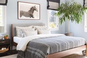 4 момента, которые помогут органично вписать кровать в интерьер спальни