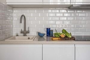 Как найти свободное место для готовки, если у вас маленькая кухня: 5 решений