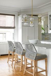 Красивое оформление окна на кухне: учитываем тип проёма и стиль интерьера
