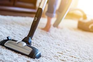 9 распространенных ошибок в использовании пылесоса, которые сводят на «нет» все усилия в уборке