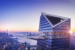 Пощекотать нервы: в Нью-Йорке открыли смотровую площадку со стеклянным полом на высоте 335 метров
