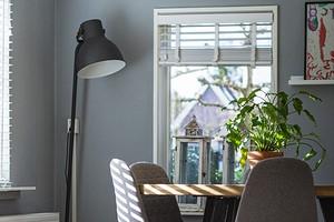 Улучшаем воздухообмен в квартире: 6 правил выбора приточного клапана для окон и обзор 2 видов стеновых клапанов