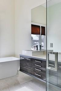 6 вещей, которые делают ванную комнату неопрятной (даже если уборка была вчера!)