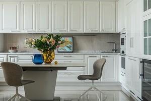 Для тех, кто не любит уборку: 6 лайфхаков для обустройства кухни, которые скроют грязь