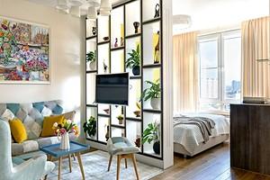 Квартира 44 кв. м, в которой нашли место для гостиной, спальни и двух гардеробных