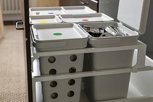 Как организовать раздельный сбор мусора, если у вас маленькая кухня: 4 совета