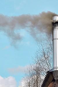 3 простых правила, которые помогут поддерживать чистоту дымохода и избежать возгорания сажи