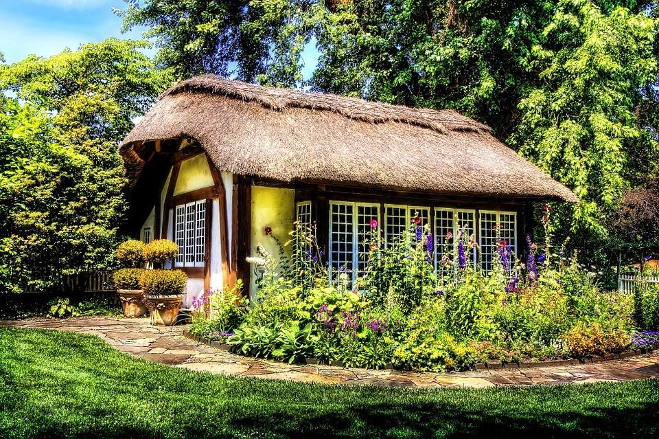 Как оформить красивый сад и сэкономить: 5 бюджетных способов