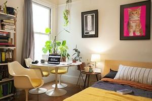 Оформляем интерьер комнаты в общежитии для студента или семьи