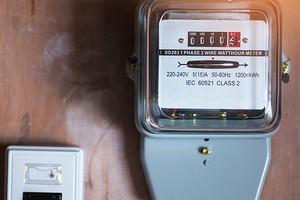 Какой счетчик электроэнергии поставить в дом и квартиру: краткий обзор видов и чек-лист по выбору