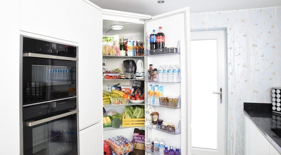 Как избавиться от запаха в холодильнике в 4 простых шага