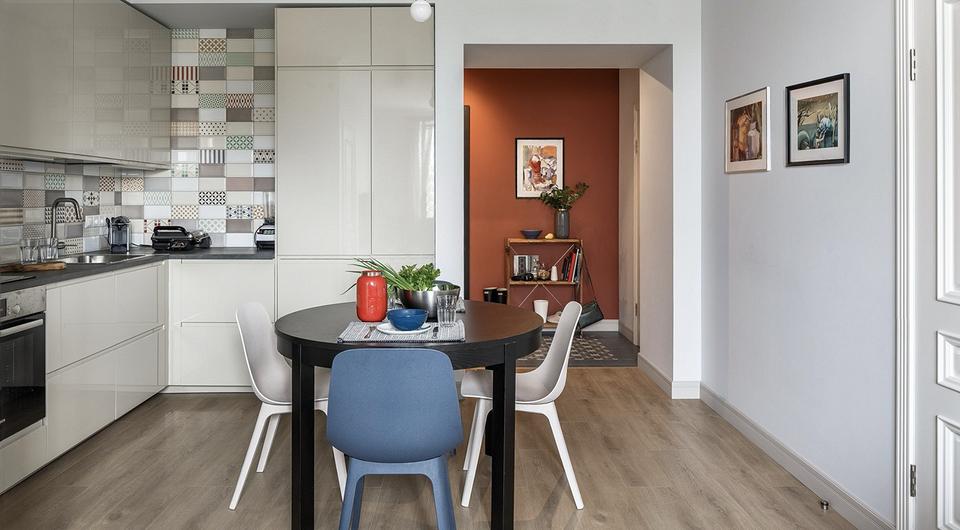 9 стильных дизайн-проектов объединенной кухни-гостиной площадью 18 кв. м