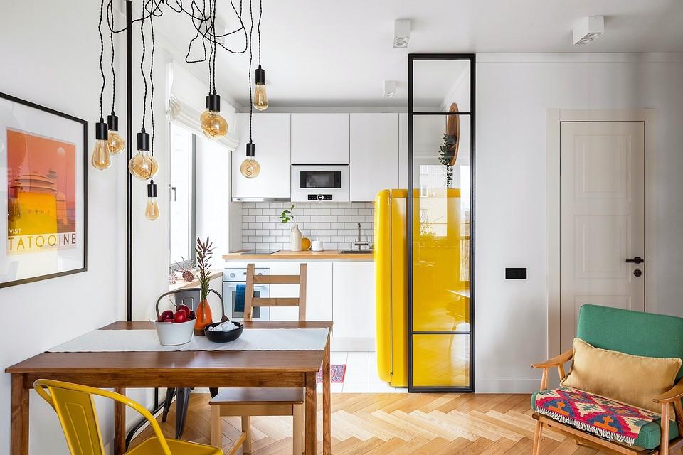 Типовая однушка 32 кв. м, которую превратили в светлую студию со спальней и гостиной