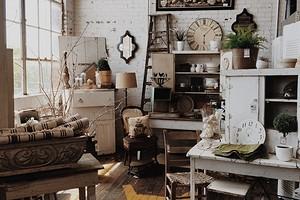 Что делать, если маленькая квартира забита вещами: 6 полезных идей