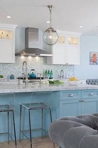 Интерьер серо-голубой кухни (60 фото)