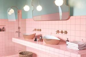 Оформляем дизайн розовой ванной, чтобы интерьер выглядел уместно и стильно