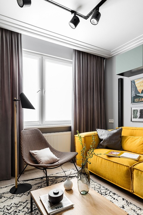 Большой желтый диван, выбранны&...