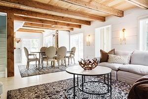 Как оформить дизайн интерьера гостиной на даче и сэкономить: 6 советов и 73 фото