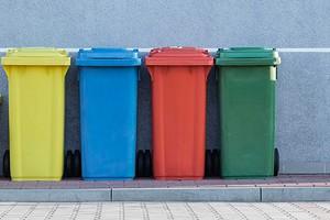 6 вещей, которые нельзя просто вынести на мусорку (если не хотите получить штраф)