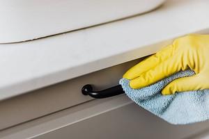 7 ленивых способов борьбы с пылью дома