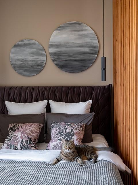 Кровать в спальне хозяев получ&...