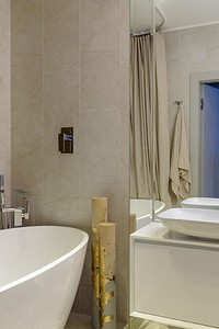 Элегантно и красиво: мозаика в дизайне ванной комнаты (66 фото)