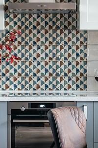 Красивая и практичная плитка на кухню (50 фото)