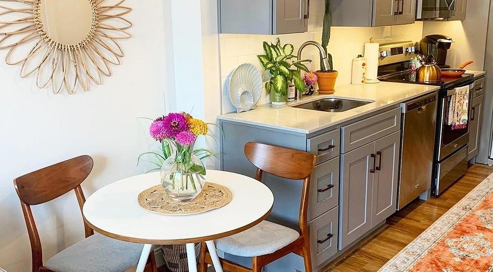 Неудачно спроектировали кухню и осталось пустое место? 8 идей, чем его занять с пользой
