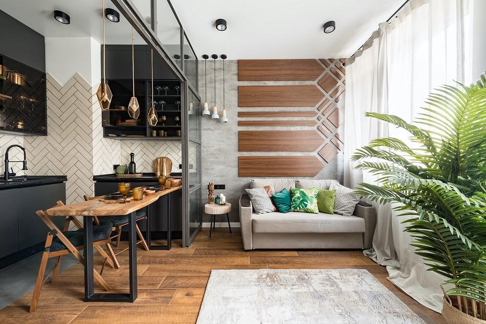Маленькая студия с просторной кухней