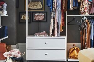 7 нужных предметов из ИКЕА для маленькой гардеробной зоны