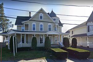 Дом, где снималась «Сабрина — маленькая ведьма», продается за $1,95 млн (почти 140 млн рублей)