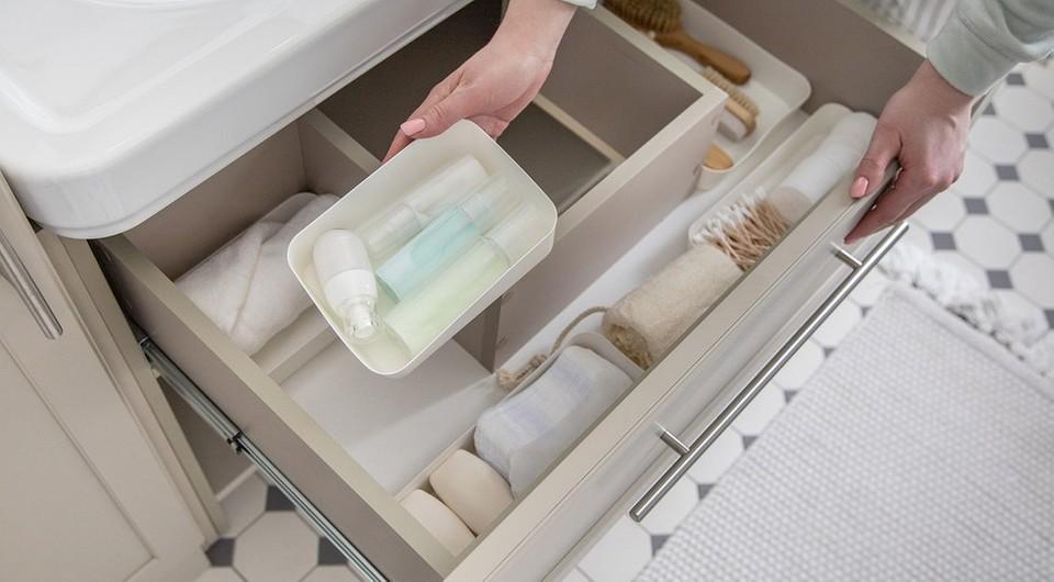 Чтобы не загружать бортики ванны: 11 удобных мест для хранения душевых принадлежностей