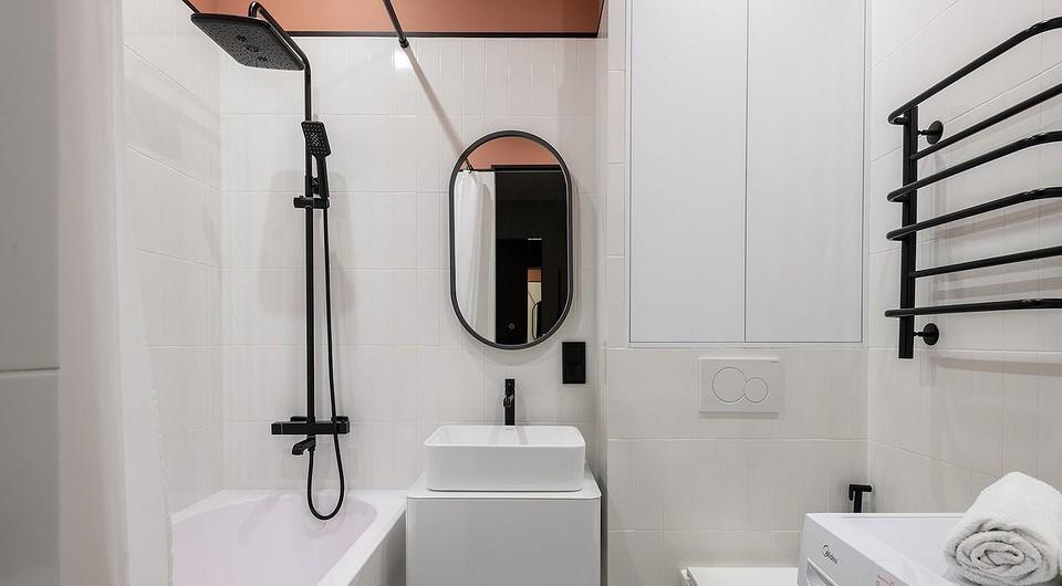 Белая плитка в ванной — это не скучно: 4 проекта и 80 фото, которые вас убедят